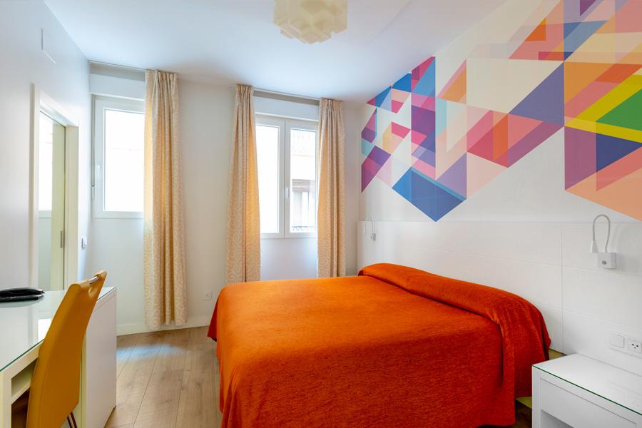 Habitación doble Hostal Abadía Madrid centro con wifi