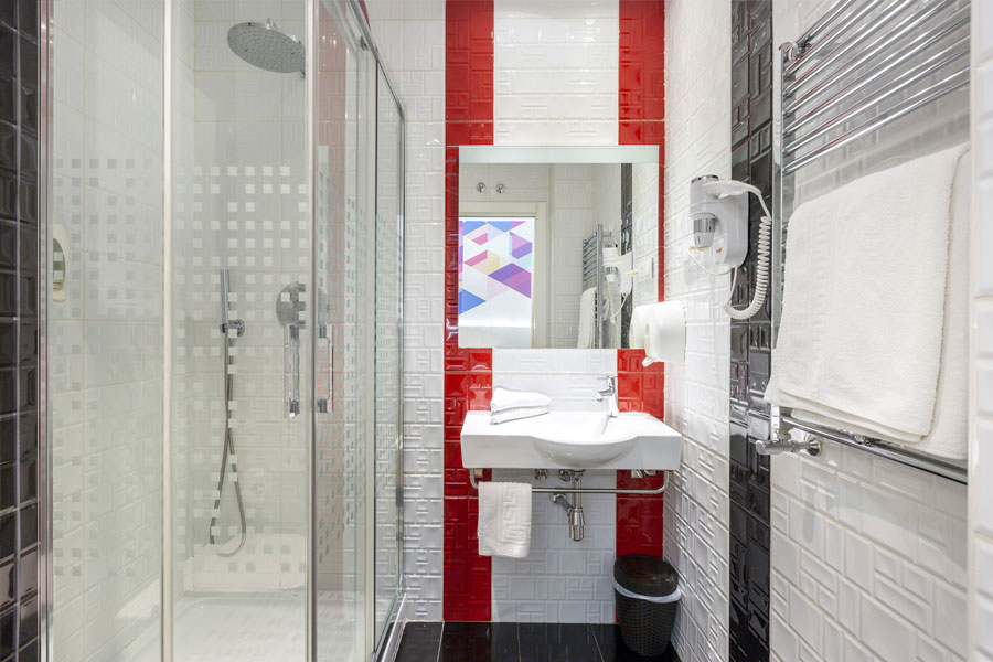 Habitación doble Hostal Abadía Madrid centro con cuarto baño privado