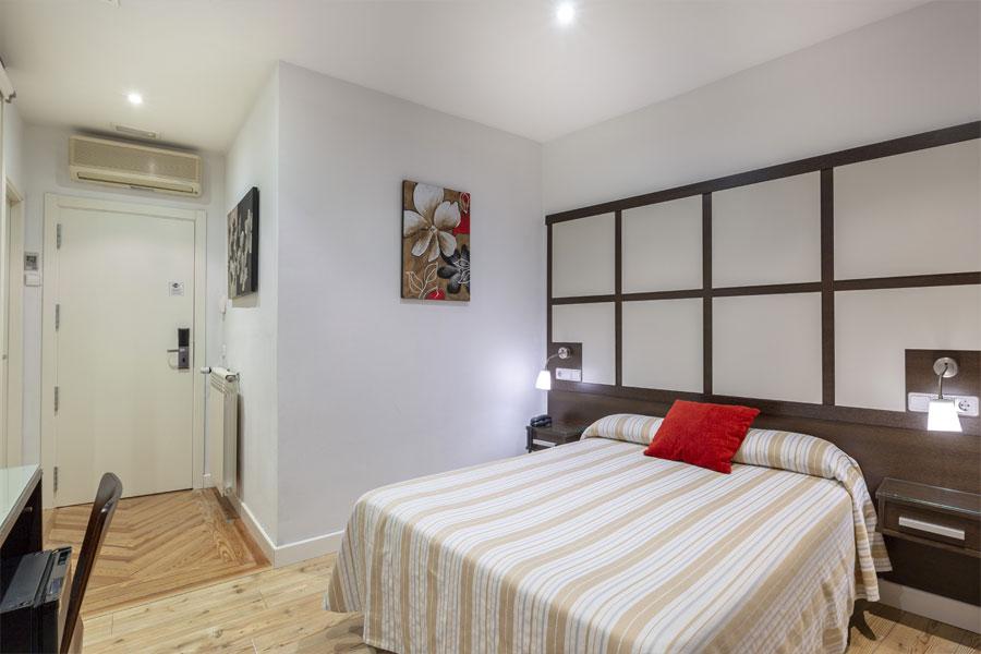 Habitación doble Hostal Abadía Madrid centro con calefacción