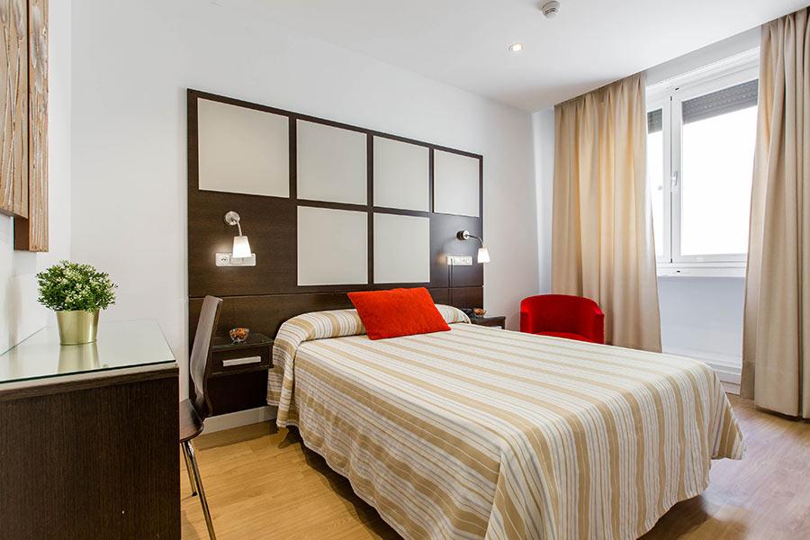 Habitación individual hostal Abadía Madrid centro